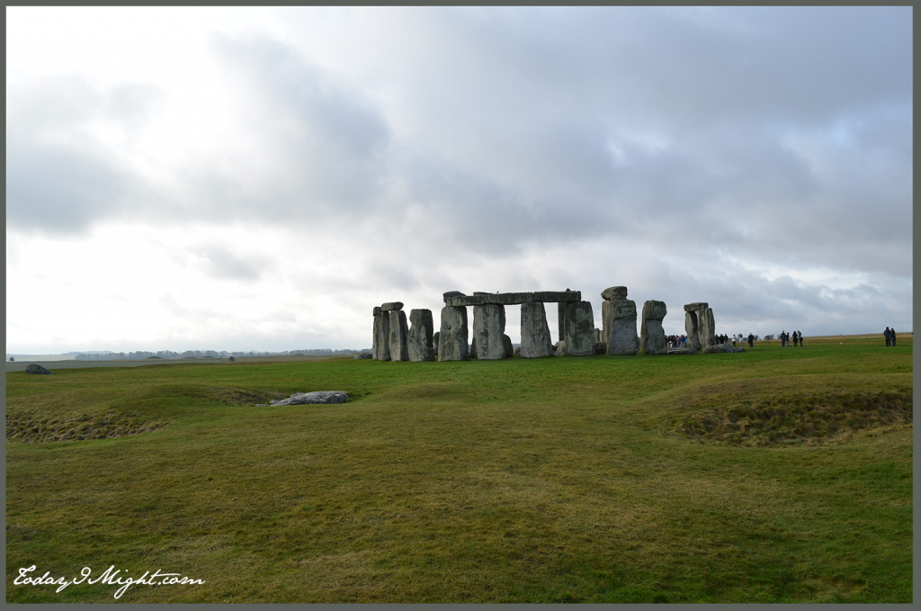 todayimight.com | London | Stonehenge from a Distance